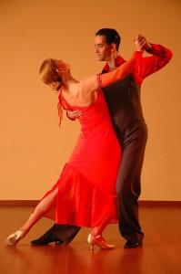 dancing-929818_1920